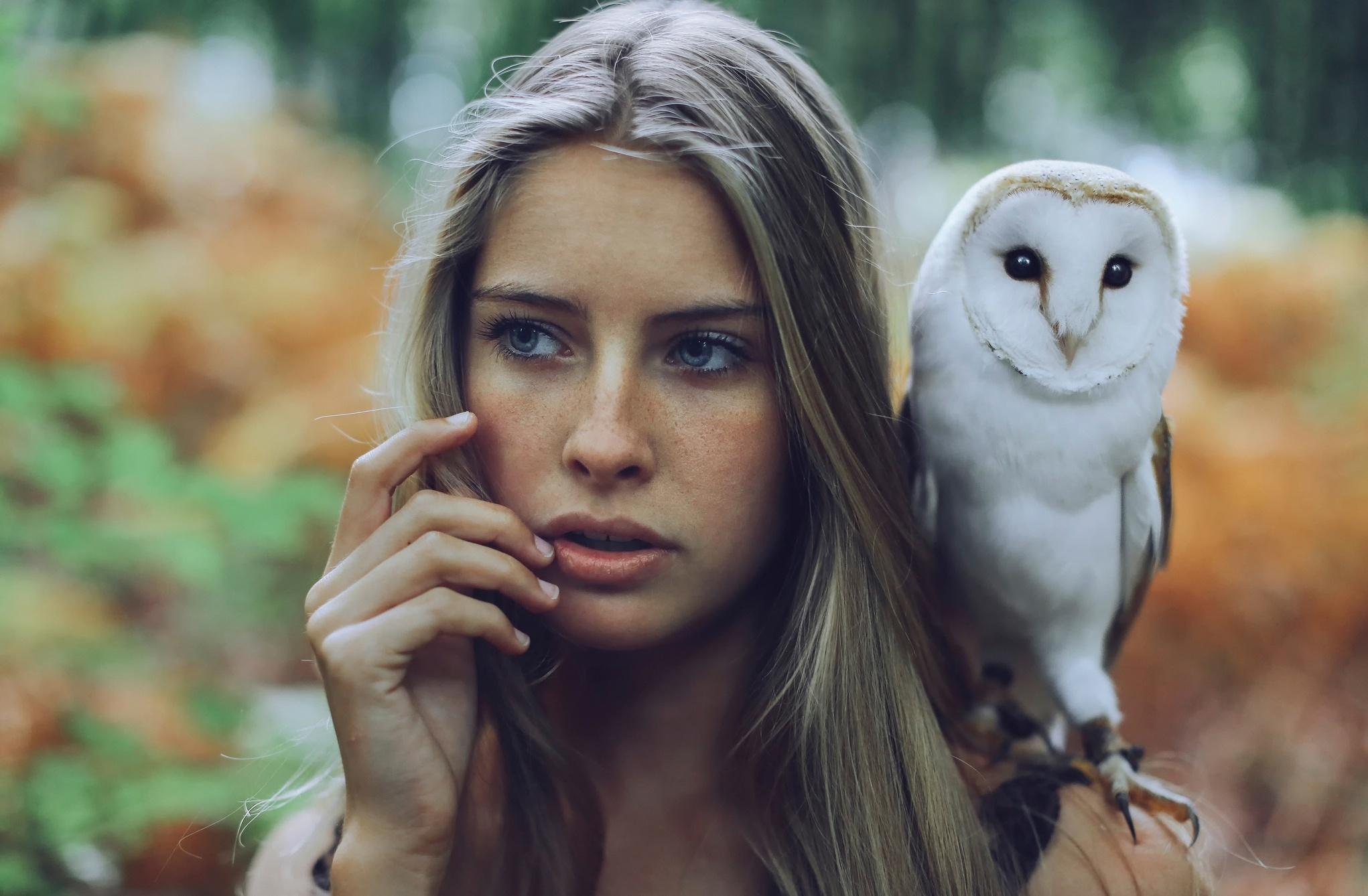 Девушка с совой
