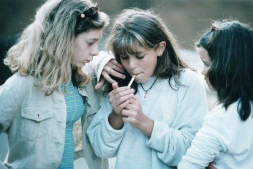 Курящие друзья